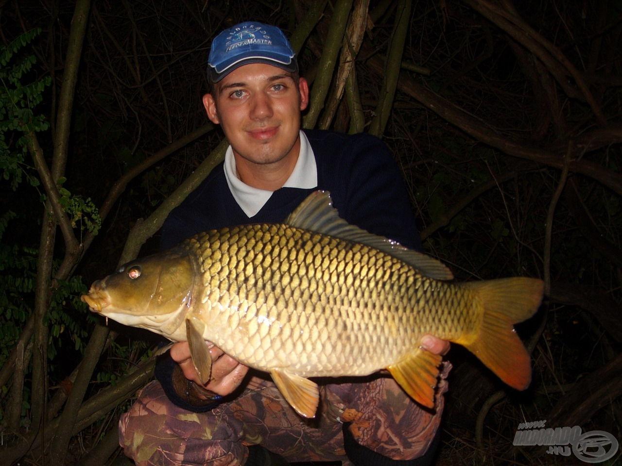 Gyönyörű vadvízi tőponty, mely a rövidke túra legnagyobb hala lett, s egyben eddigi legnagyobb kifogott halam a Tisza-tóból