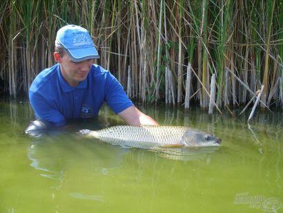 Feederbottal az Úri Horgásztavon - Természetes utakon