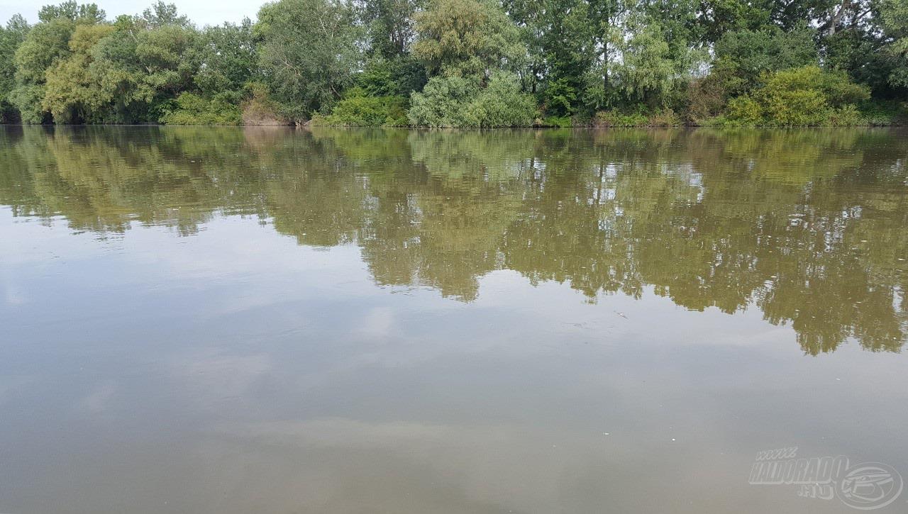 Még csak minimális szöszmennyiség volt a vízen…