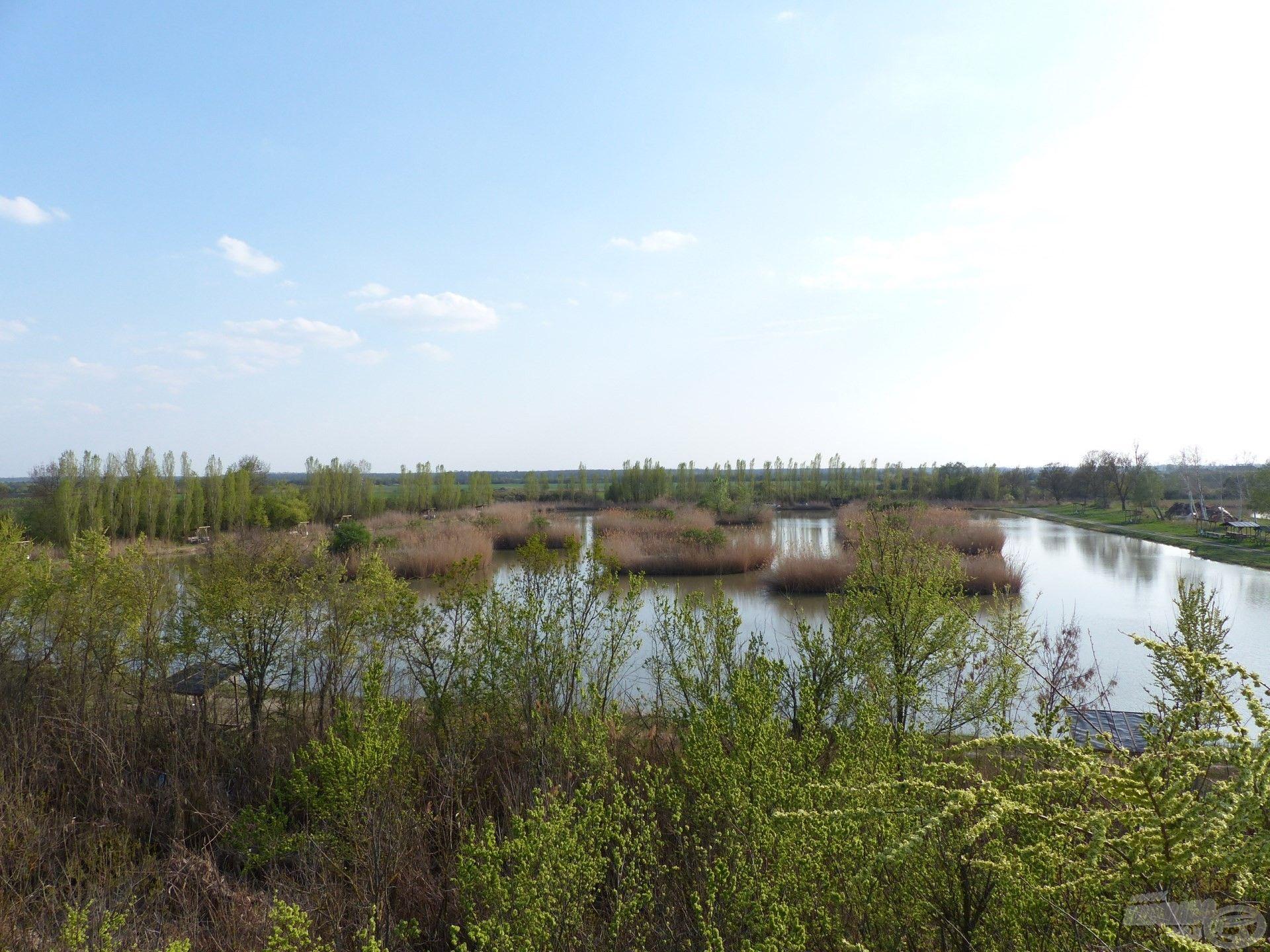 A kiszemelt tó madártávlatból