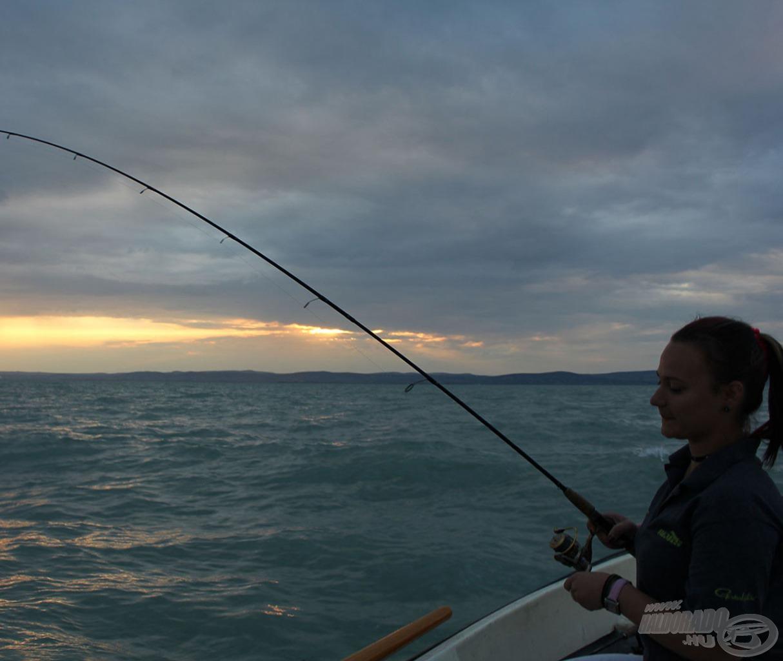 Manó épp balint fáraszt - jól látható, hogy mennyire háborgott a Balaton