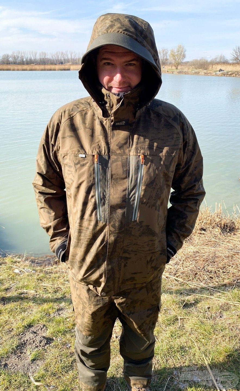 A Dozer6 vízálló kabát és Urus6 vízálló nadrág kettőse a létező egyik legjobb esőruházat a piacon