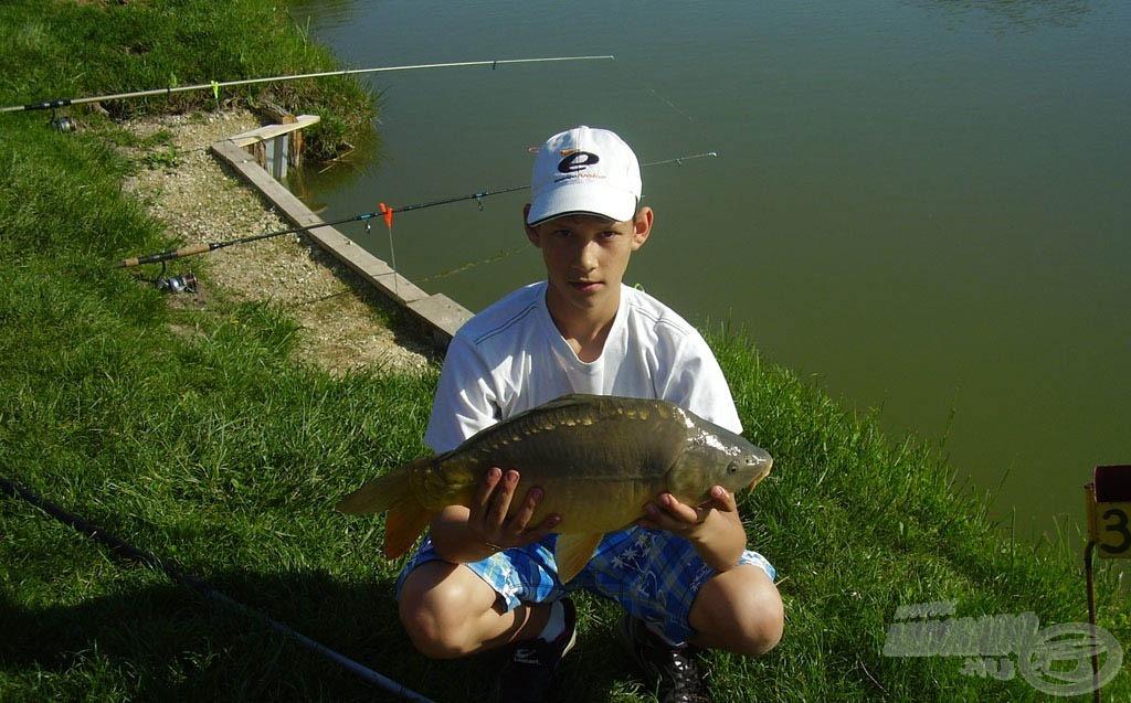 Úgy látszik, a május 1 környéki időpont horgászattal telik Andriséknál minden évben, ez egy idei horgászat képe