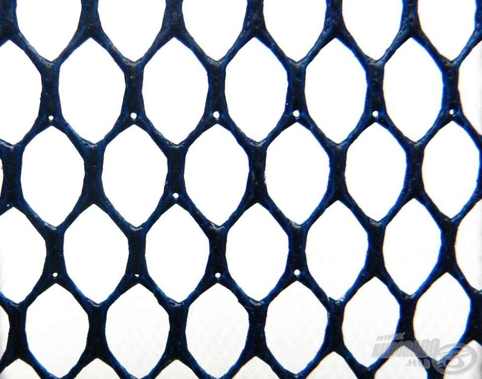 Közepesen sűrű, gumírozott háló lyukbősége is jelzi, hogy nem az ebihalakhoz lett kitalálva