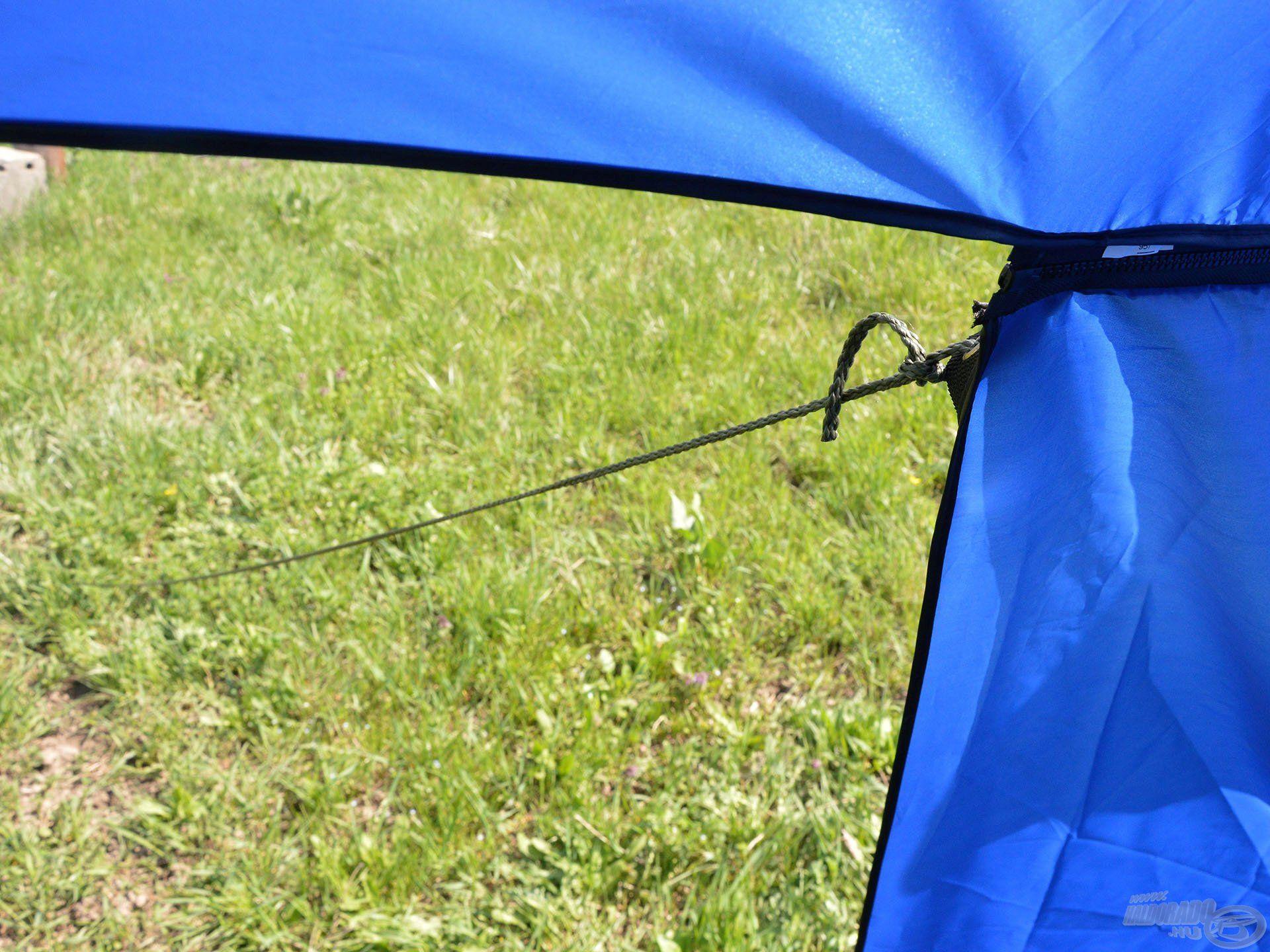 A készletben megtalálható kötéllel még stabilabbá tehetjük a félsátrat