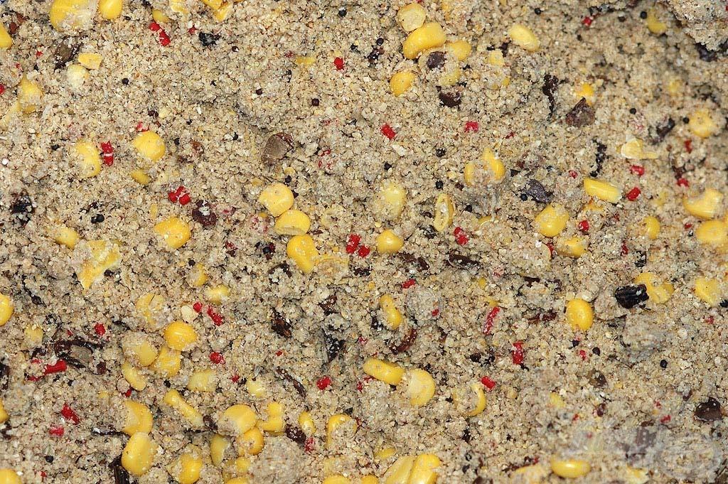 A csalogatóhatása kukoricával keverve tovább növelhető