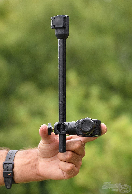 Az Extension Tele Arm egy állítható hátsó bottartó adapter, amelynek nemcsak a hossza, de a magassága is növelhető