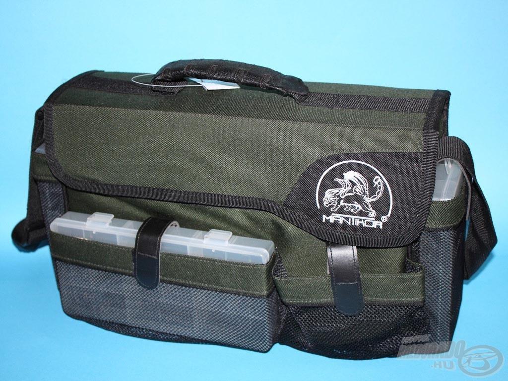 A Mantikor közepes pergető táska 5 darab dobozzal kapható