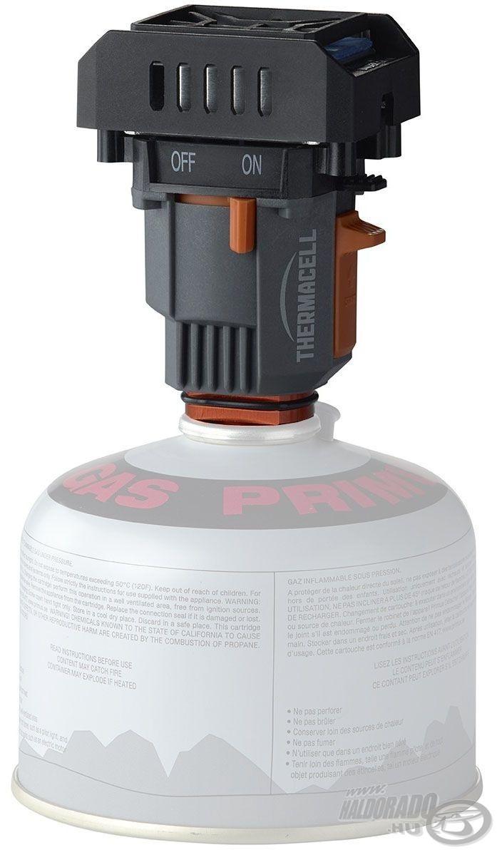 A készülék a szabványos túrafőzőhöz használatos gázpalackhoz menetesen csatlakoztatható