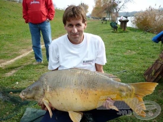 Tóth Sándor 22,5 kilós pontya Zalacsányból, amely kellő inspiráció volt, hogy meglátogassam ezt a tavat!