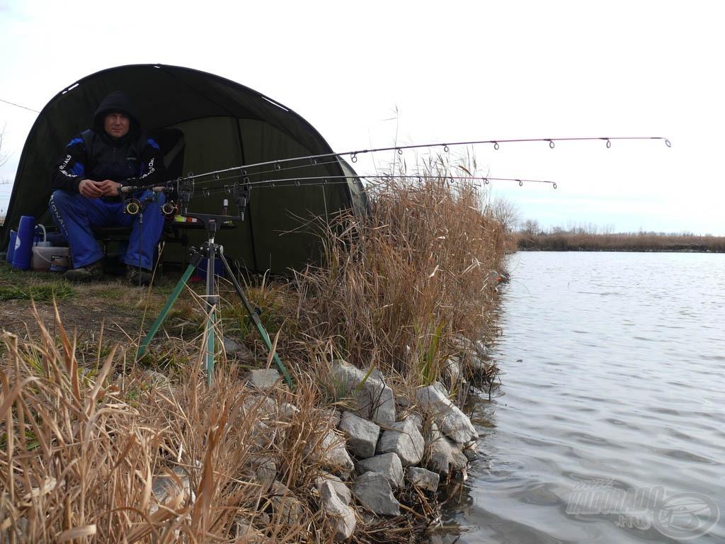 Kedvenc teszthorgász tavam - a városunk, Kiskunhalas határában található Ezüst-tó Horgászcentrum - idén télen még nem fagyott be