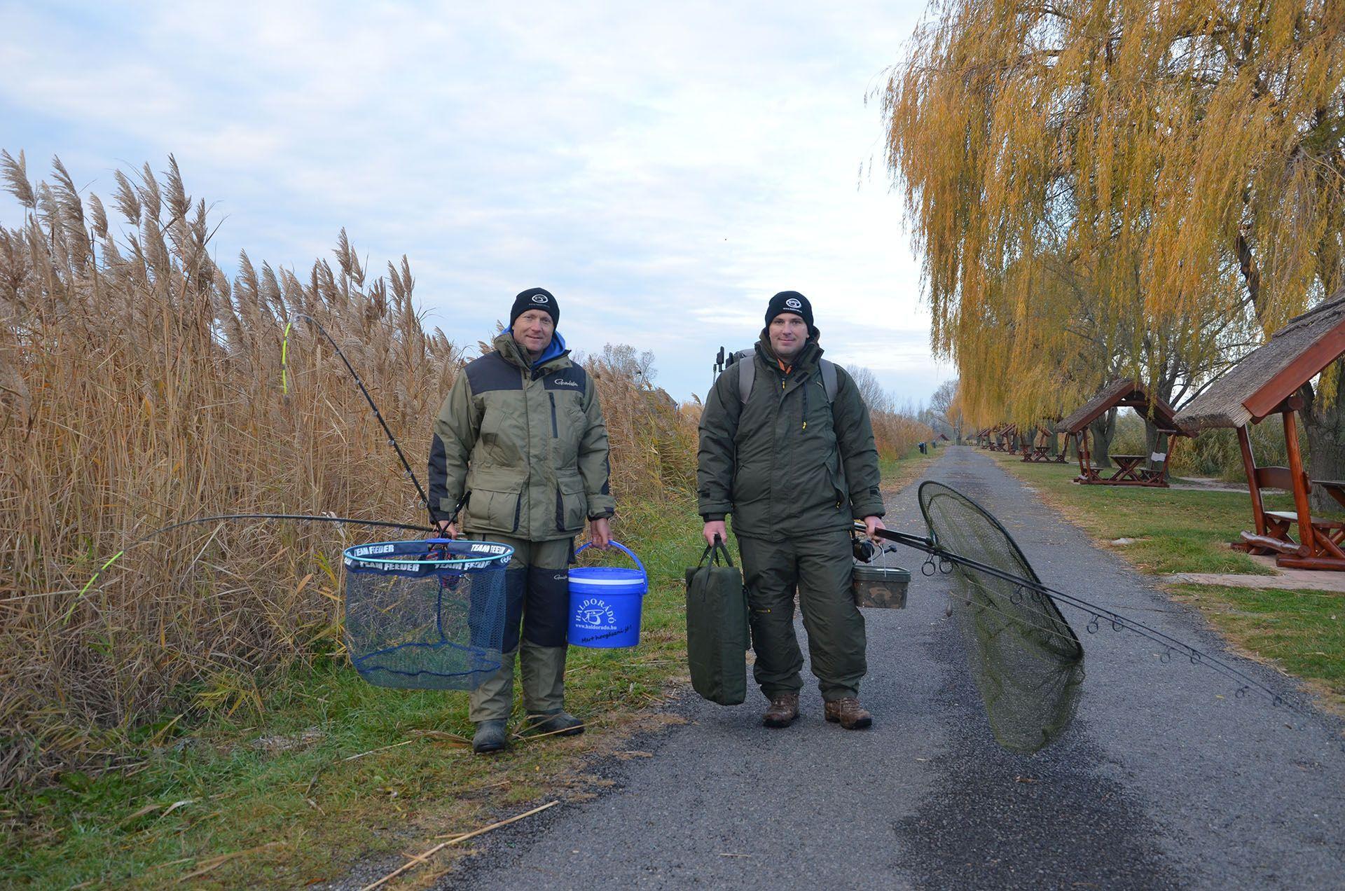 Mindössze ennyi cuccal vágtunk neki Haskó Tamás kollégámmal a közös horgászatnak