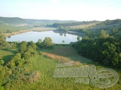 Csend, nyugalom és sok szép hal, ez a Miszlai horgásztó (forrás: www.miszla.hu)