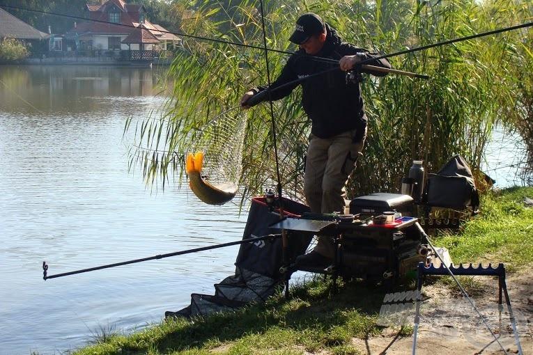 A versenyláda használatával jelentősen gyorsabbá válik a horgászat. Minden kéznél van, minden praktikusan elhelyezhető