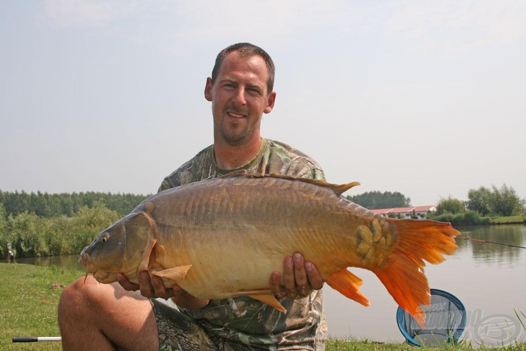 Farkas Viktor fogta a verseny legnagyobb halát, egy 10.860 grammos pontyot