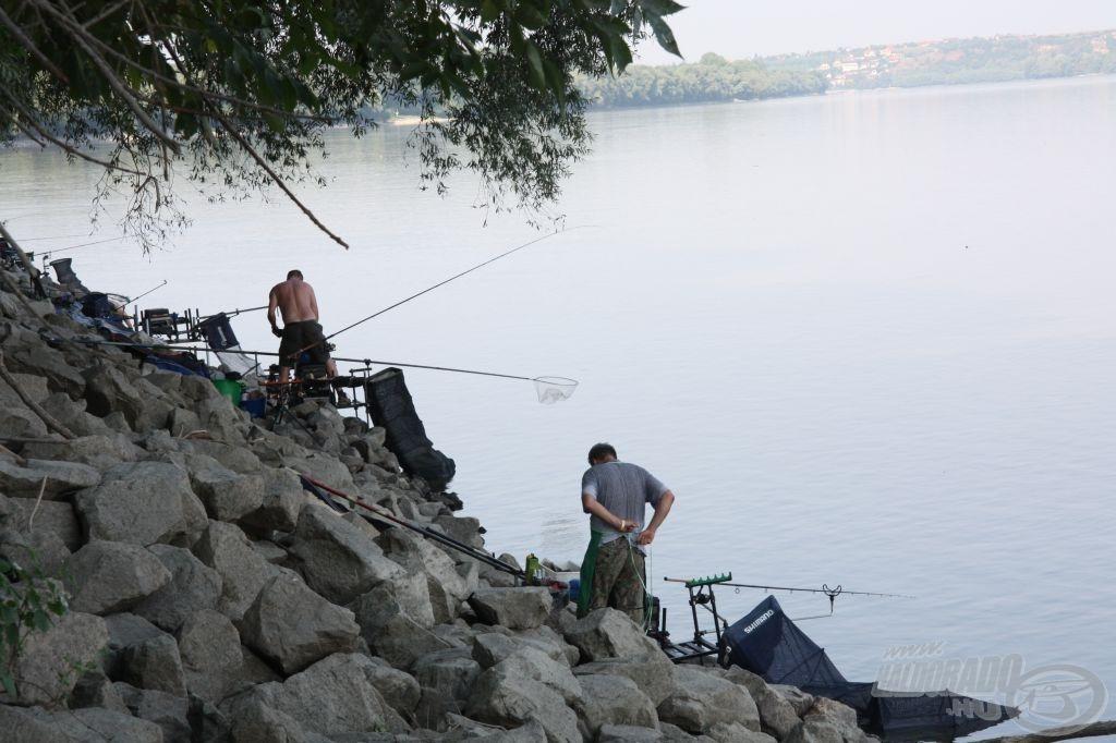 Stabilra és biztonságosra kellett építeni a horgászállásokat
