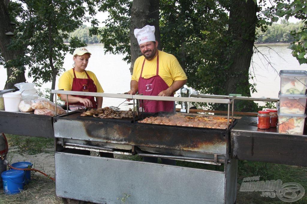 Pazar grill-lakomával várta a versenyzőket a Csitta Grill