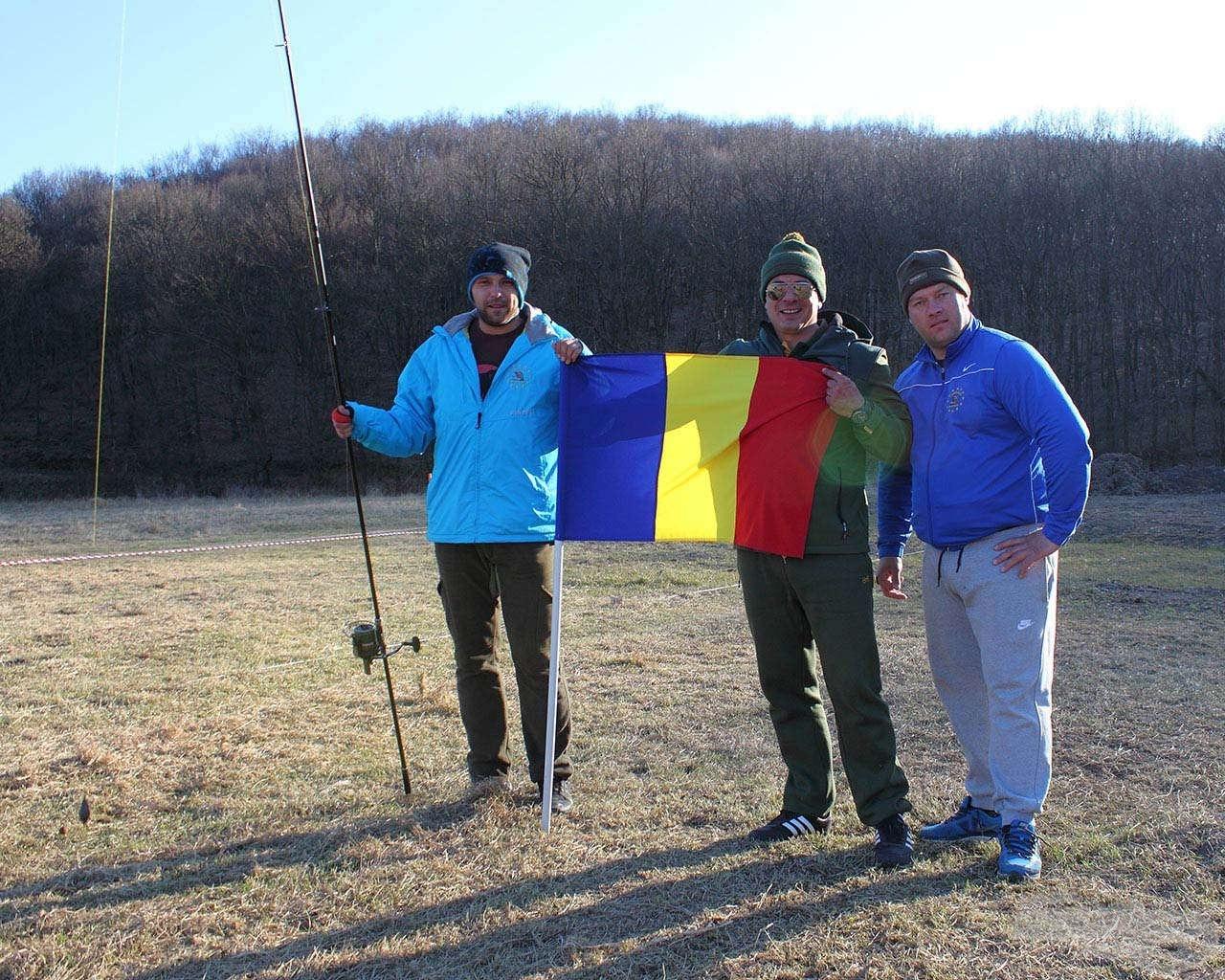A román versenyzői csapat egy része. Jogos és megérdemelt az örömük!