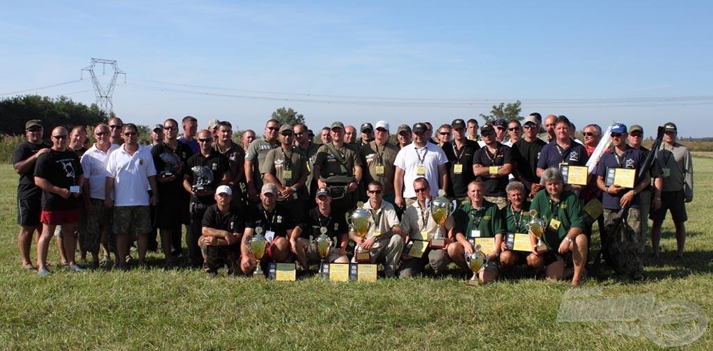 A versenyen részt vett csapatok