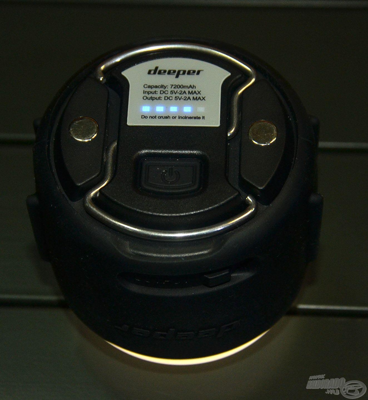 Első gombnyomásra látható az akkumulátor töltöttsége