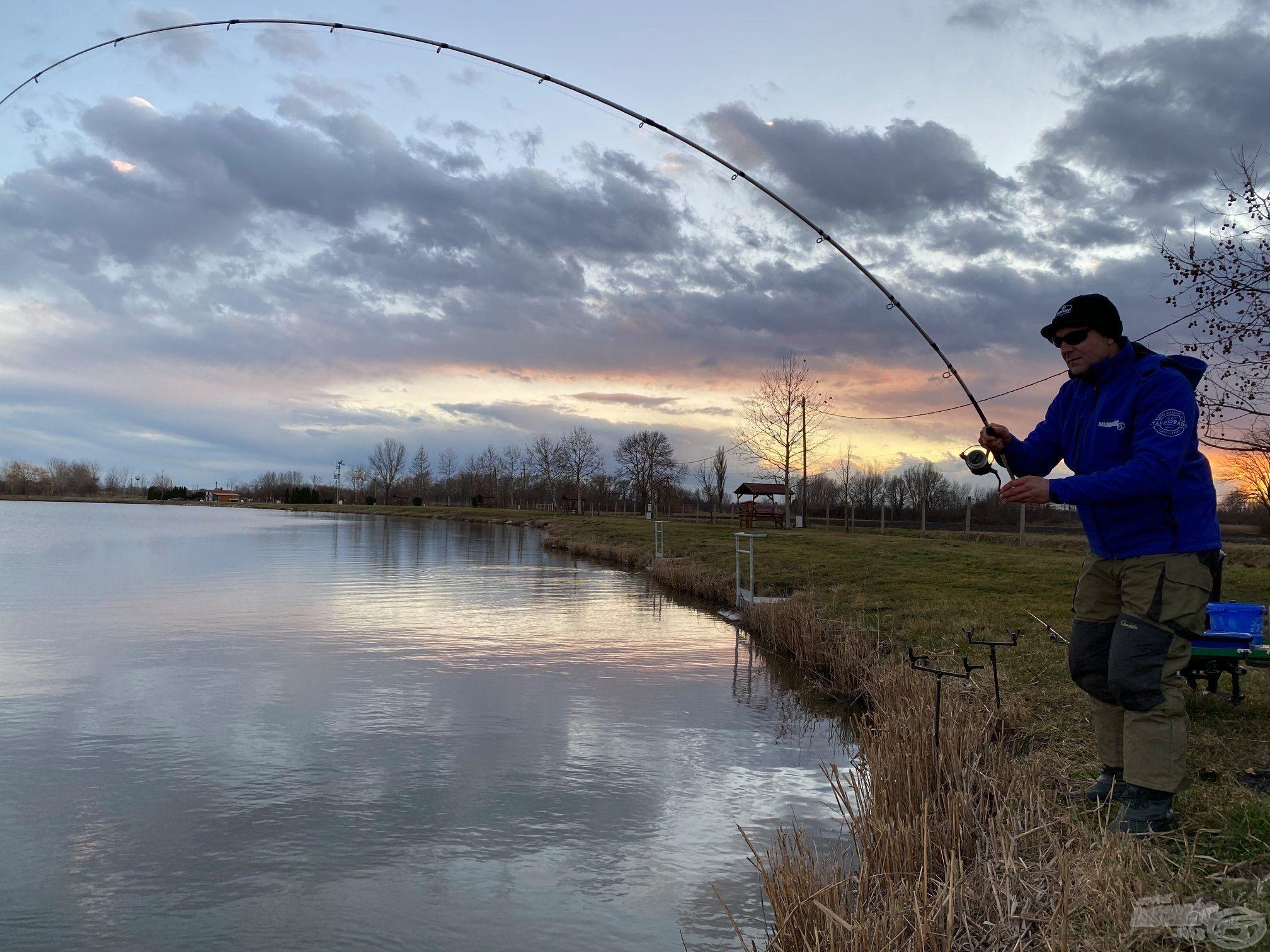 Kora tavaszi, hideg vízi horgászataim során (is) előszeretettel használom e kosártípust