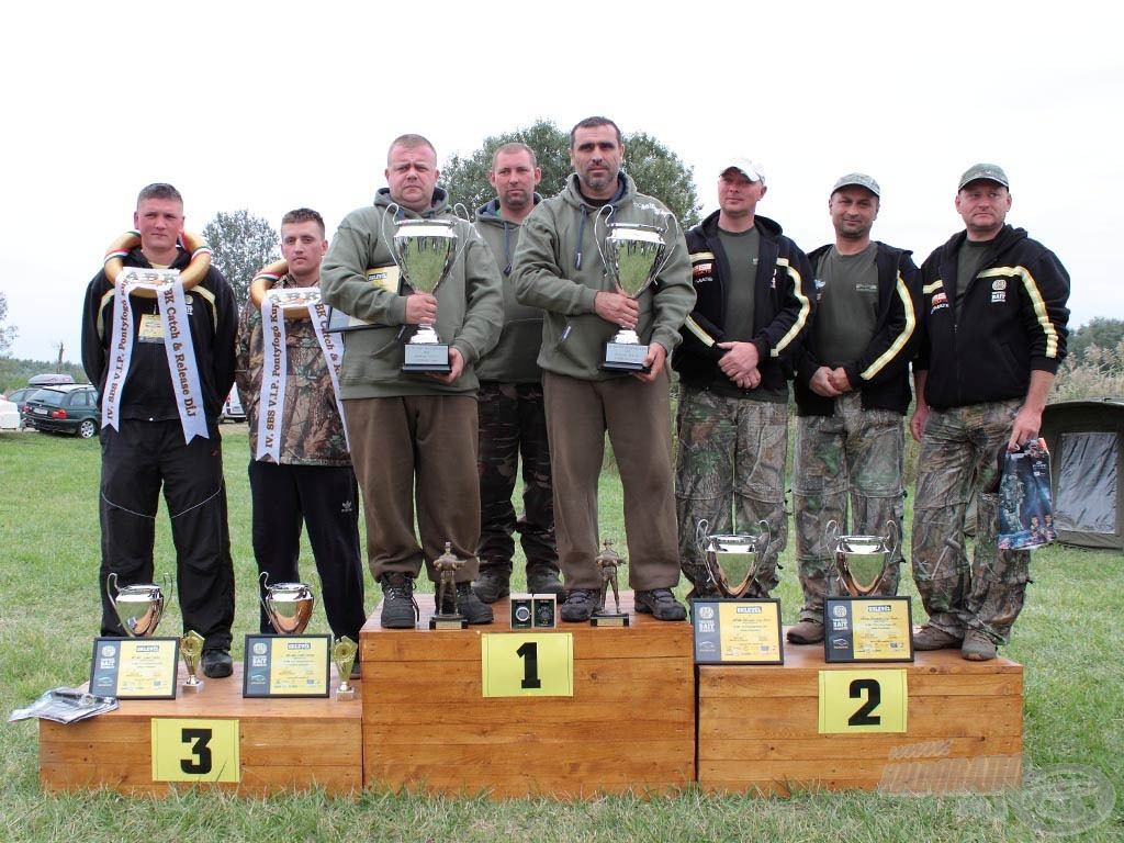 A IV. SBS-V.I.P. Pontyfogó Kupa dobogós csapatai