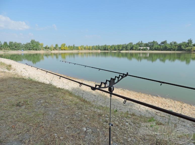A tó délkeleti sarkában állítottam fel a horgászhelyem