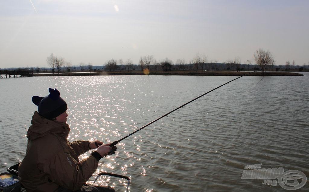 A medium feederbot kellően lágy a kisebb halakhoz, a nagyobb példányoknál viszont erős, energikus