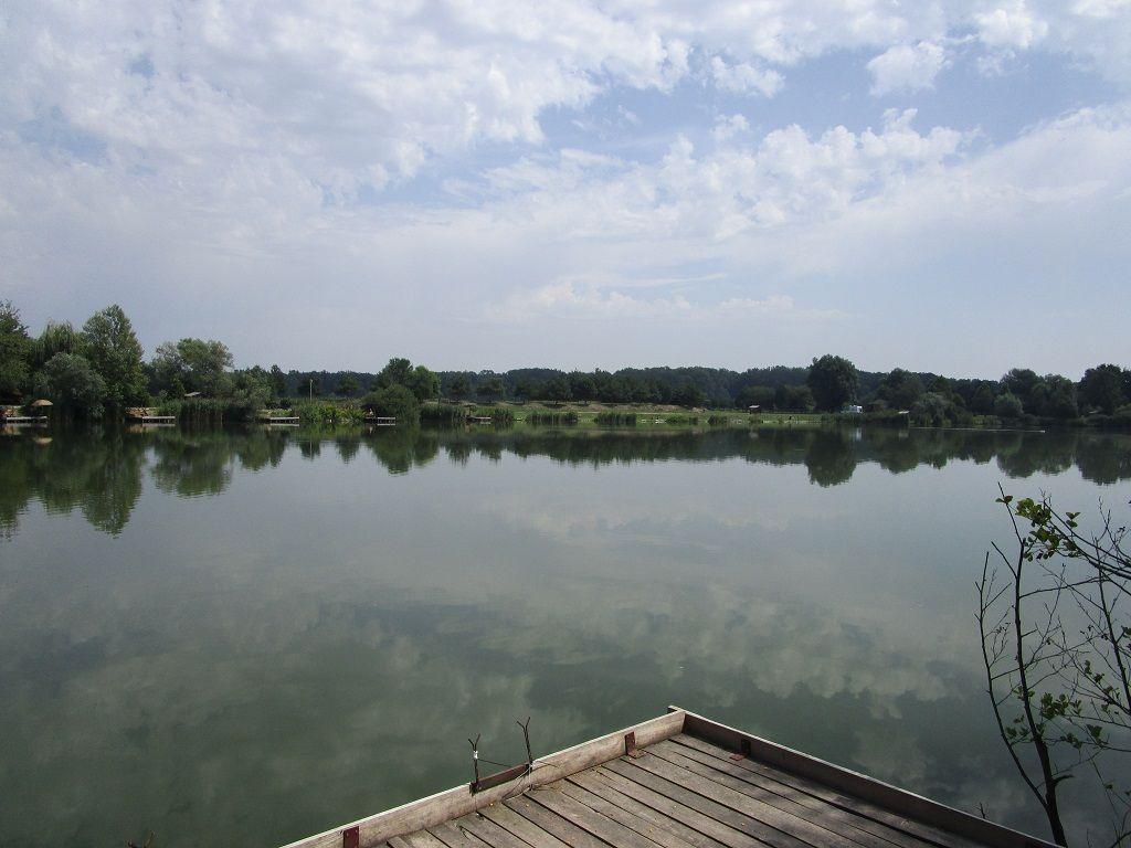 … és jobb oldala is ideális horgászhelynek tűnt
