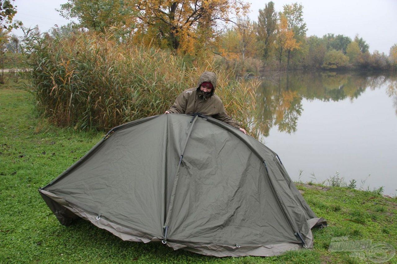 Esős időben első a sátor