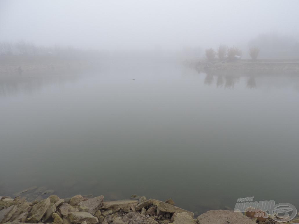 Ködben úszik a tó…