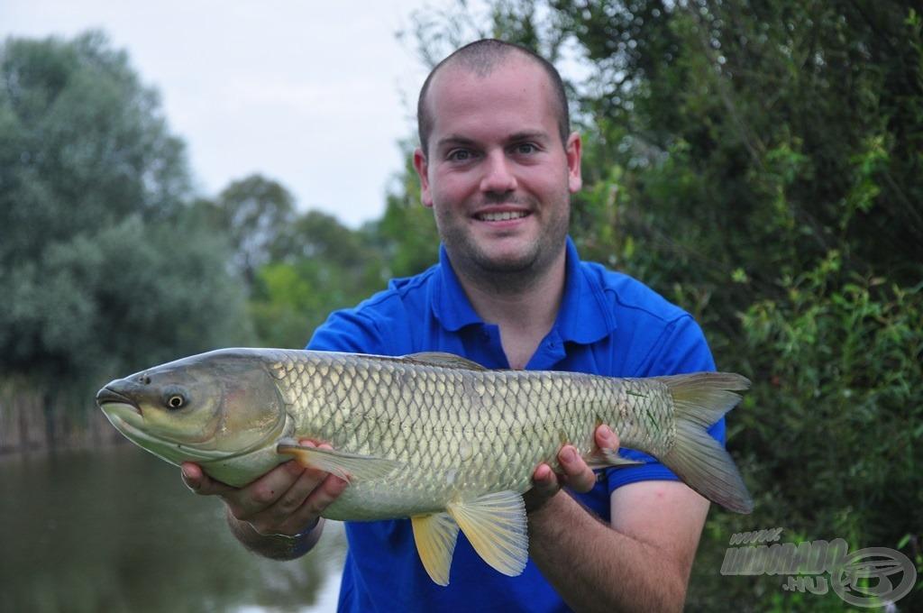 Megkoronázta a horgászatot ez a szép amur