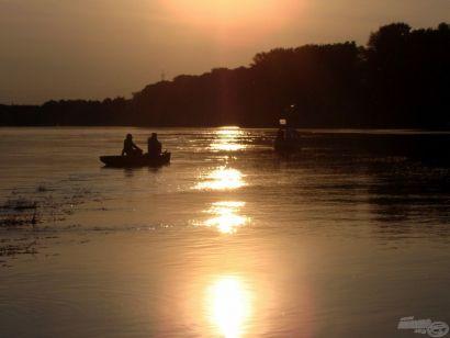 Klasszikus horgászat – Tiszai rablóhalazás