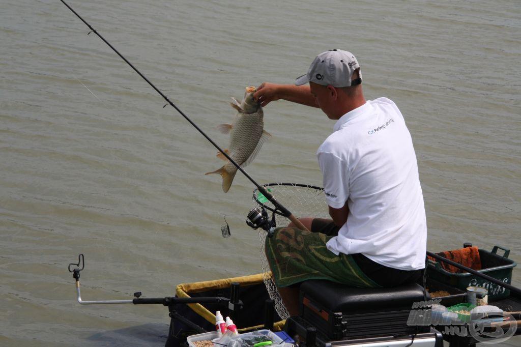 Sokak szerint vezeti az A szektort a Perfect Fishing versenyzője