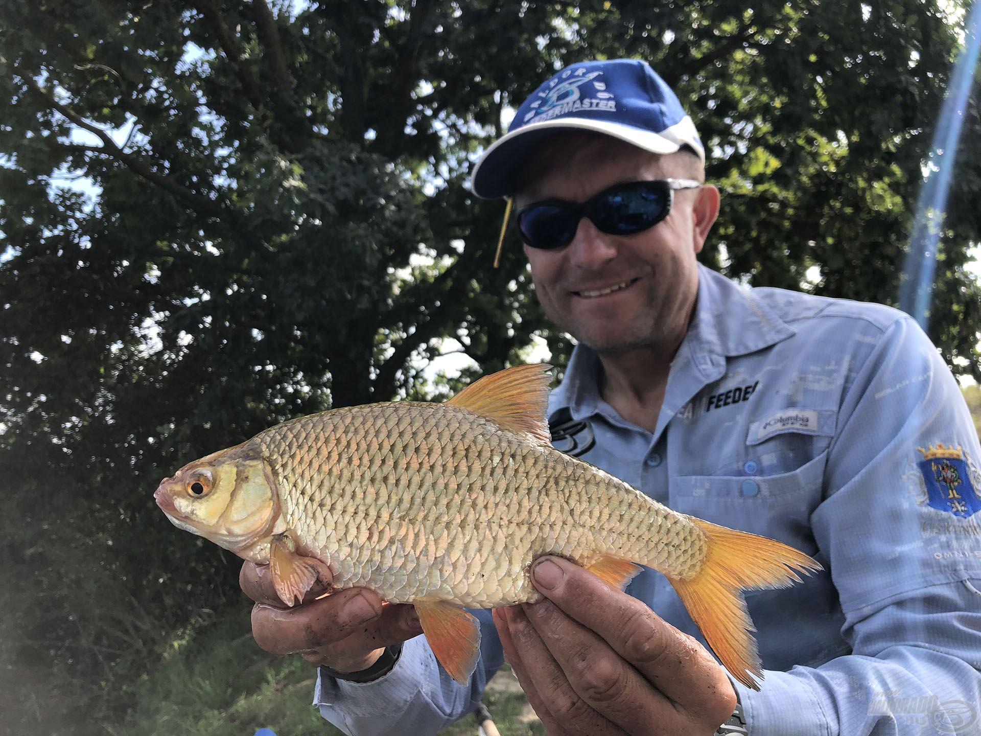 """A második napon, a """"halas"""" részen már sok halat fogtunk, köztük ilyen szépeket is!"""