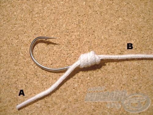 Szorítsuk meg a kötést és vágjuk le a felesleges A szálvéget