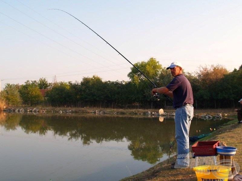 Az erős felszerelésen esélye sincs a halaknak