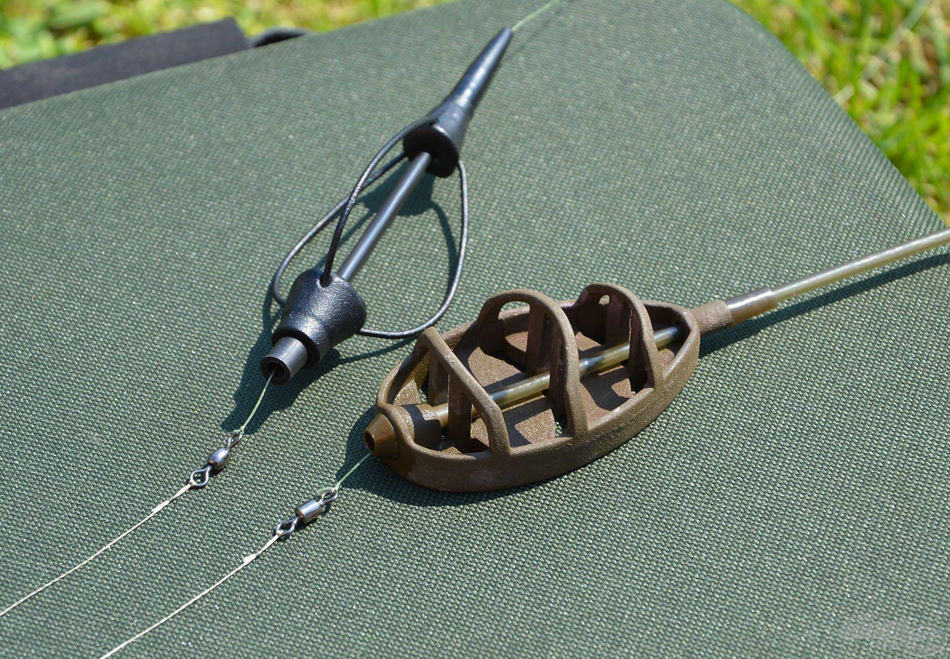 A két végszerelékben az a közös, hogy mindkettőt egyetlen kötéssel el lehet készíteni. Ezeknél egyszerűbbet nehéz találni!