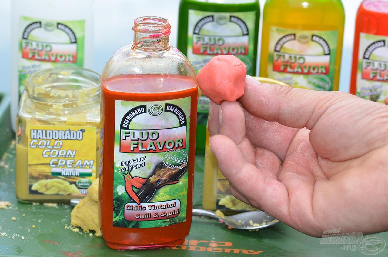 A glükóz szirup bázisú aromák a porhanyós anyagot csak annyira kötik meg, hogy az könnyen formázható és gyúrható lesz. A folyamat csak akkor tekinthető befejezettnek, amikor már nem tapad a gyurma a kezünkhöz!