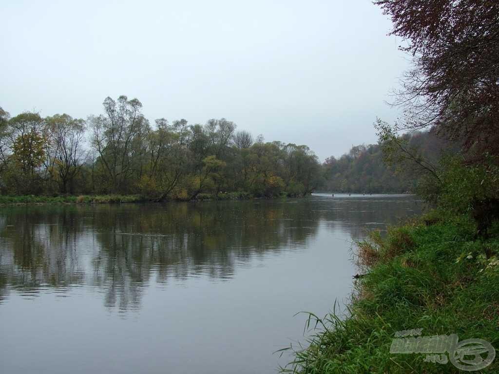 A mesés folyó, ami már első pillantásra rabul ejtett, ahol egymást váltják a csendes…