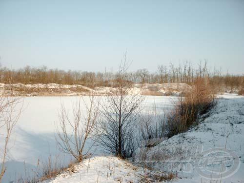 Különleges varázsuk van a téli álmot alvó tavaknak