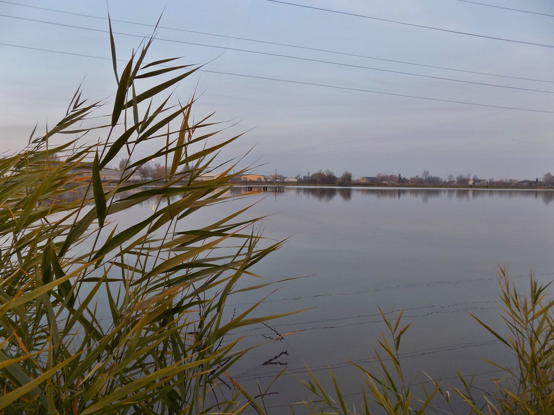 A Lencsés-tó egy 7 hektár kiterjedésű, remekül halasított horgászvíz. Egész évben szép számmal látogatják a horgászok, így a halak el vannak kényeztetve januártól decemberig