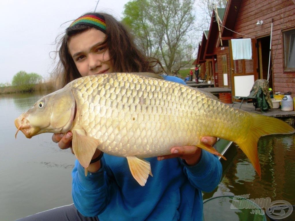 Locsolkodás helyett horgászat