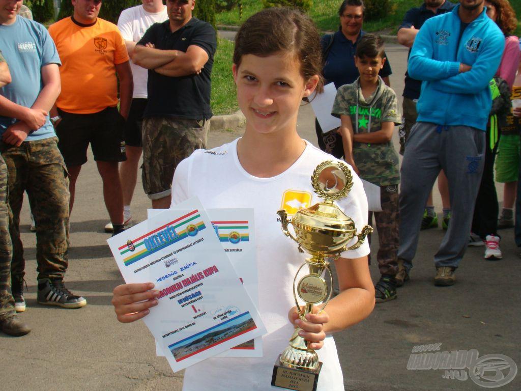 Női, ifjúsági győztes, Zsófi most kettő az egyben