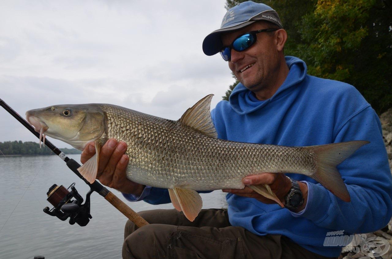 Ha helyesen összeállított végszerelékkel és etetőanyaggal eredünk a márnák nyomába, akár ilyen szép hal is lehet a jutalmunk! Reméljük, ehhez legalább akkora segítséget nyújt majd az új Maggot River feederkosár-család, mint nekünk tette azt!