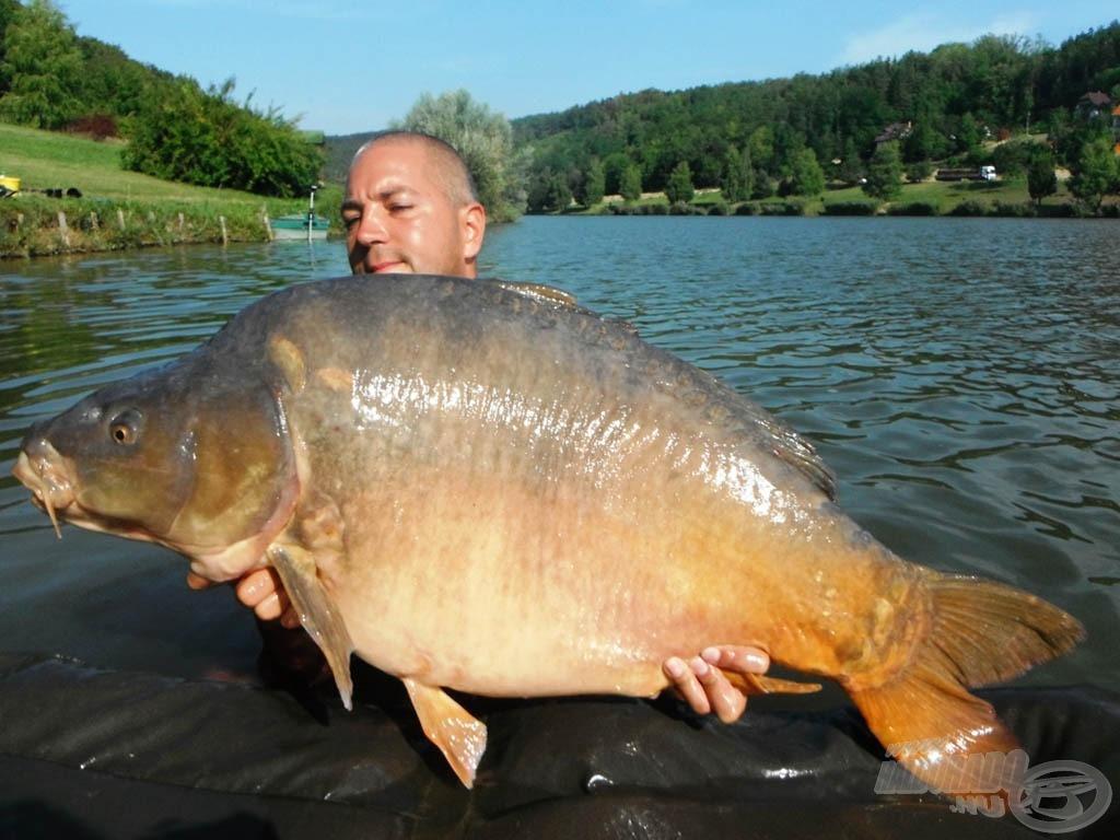 23 kg-os gyönyörű tükrös