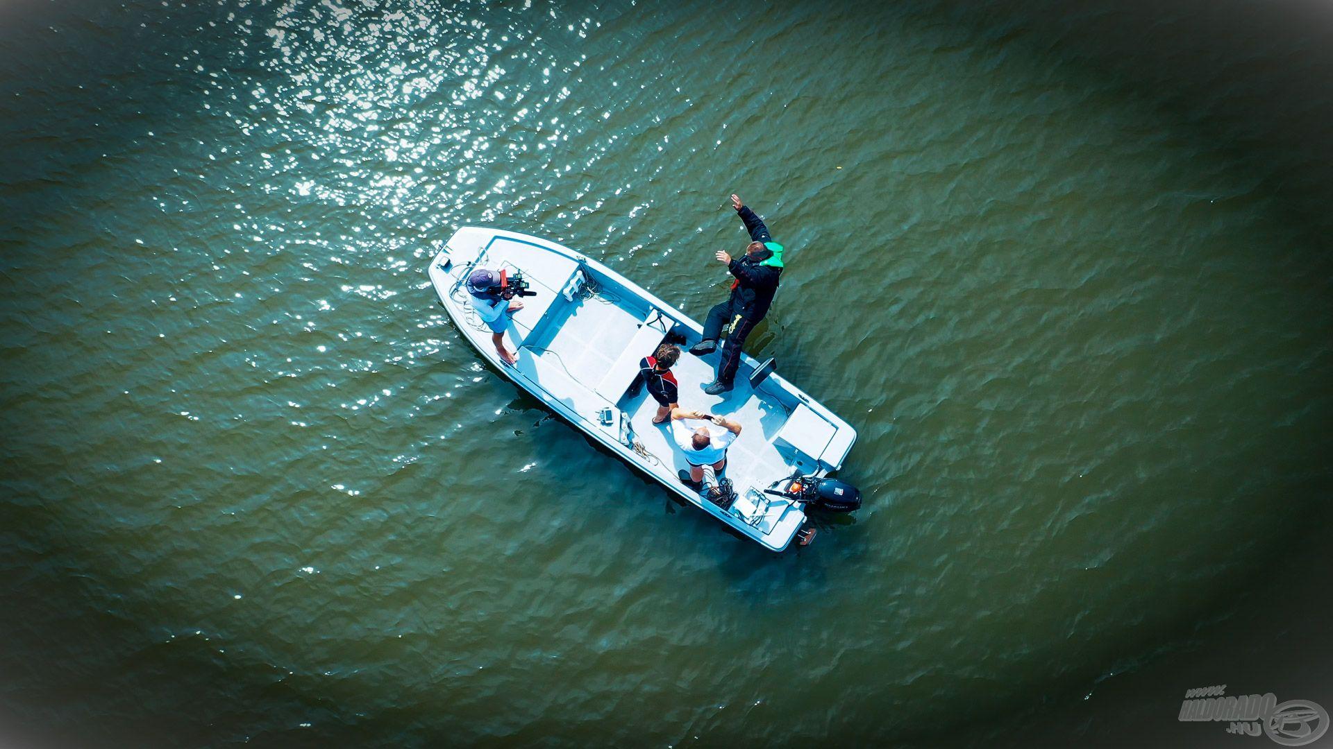 Ezúttal a csónak nem volt lehorgonyozva