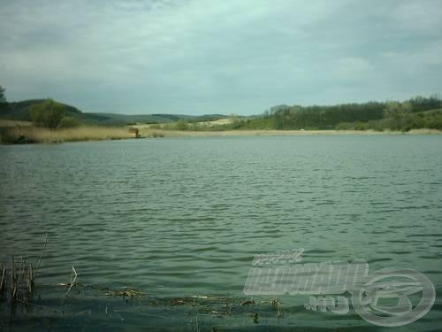 A tó, a déli oldalról