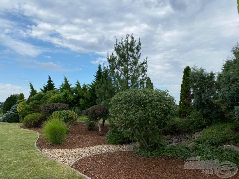 Tavunkat igyekeztünk park jelleggel kialakítani, amelynek tisztaságáért, szép állapotáért kollégáink nagyon sokat tesznek