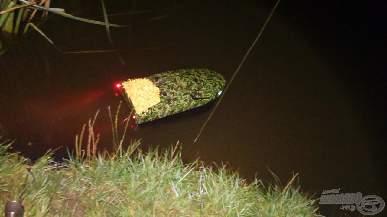 Egy kis esti nassolni való a halak számára